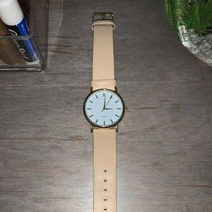 Super cute gold watch!